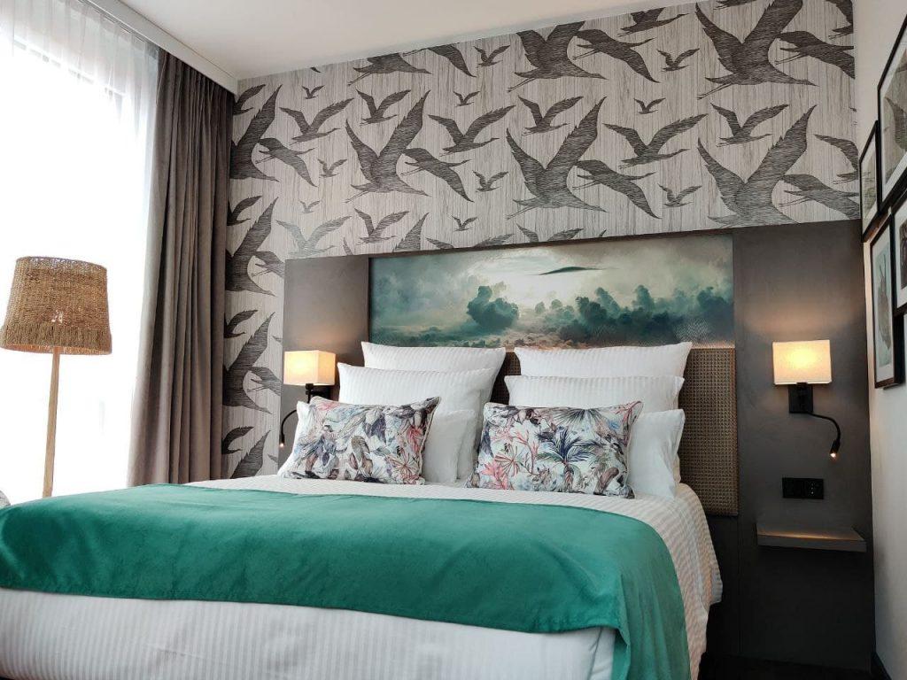 Das Foto zeigt ein Hotelzimmer des Leonardo Royals.