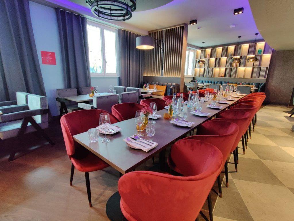 Das Foto zeigt den Restaurantbereich des Leonardo Royals.