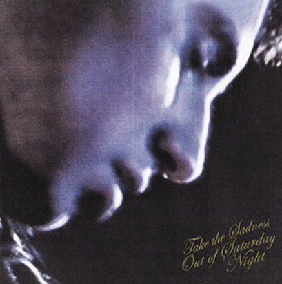"""Das Albumcover """"Take The Sadness Out Of Saturday Night"""" von den Bleachers zeigt das Gesicht eines Mannes von der Seite."""