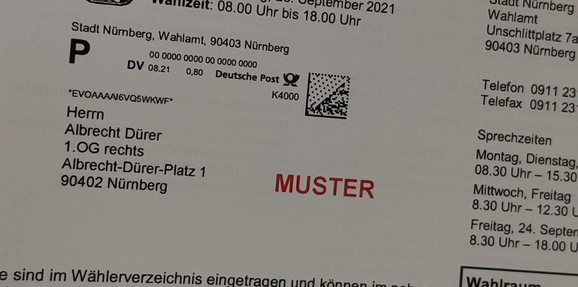 Das Foto zeigt die amtliche Wahlbenachrichtigung zur Bundestagswahl.